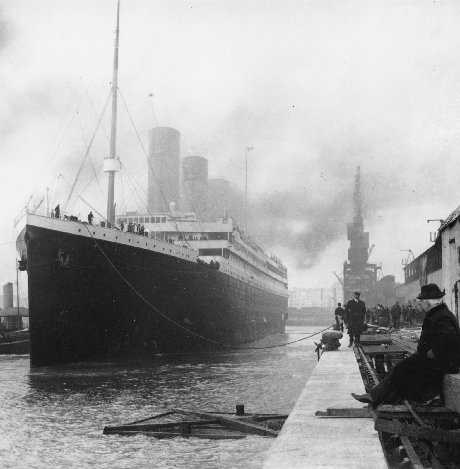 http://www.suefrause.com/blog/uploaded_images/Titanic-in-dock-751846.jpg